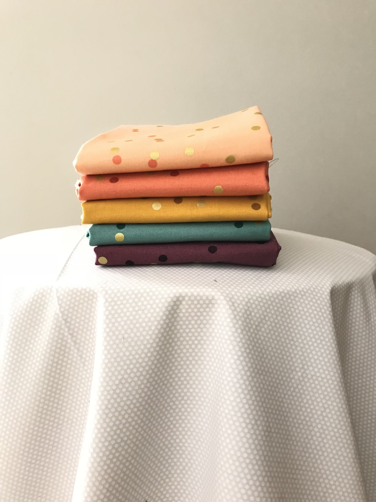 ghost quilt fabric selection confetti ombre