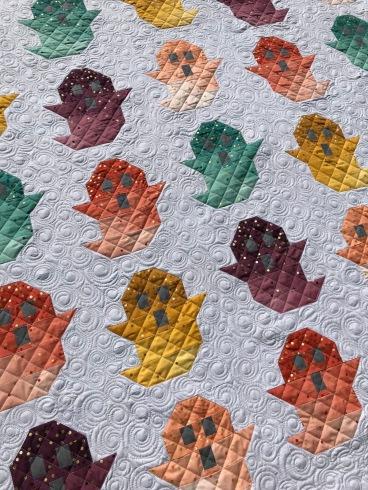 custom quilting ghost quilt top swirls