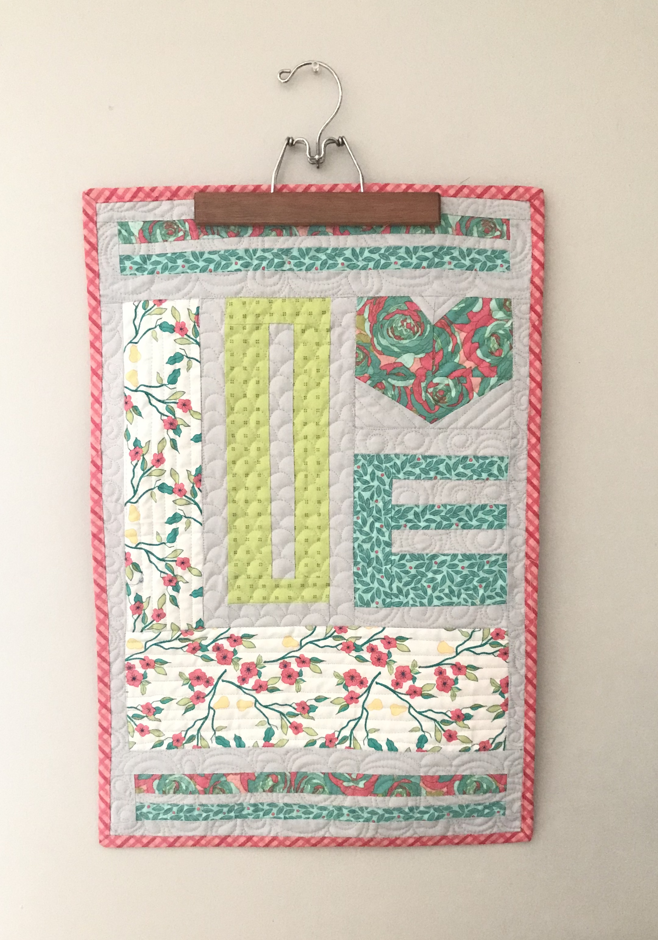 show love quilt; machine quilting; baptist fan; edge to edge; free hand; custom quilting; rainbow quilting