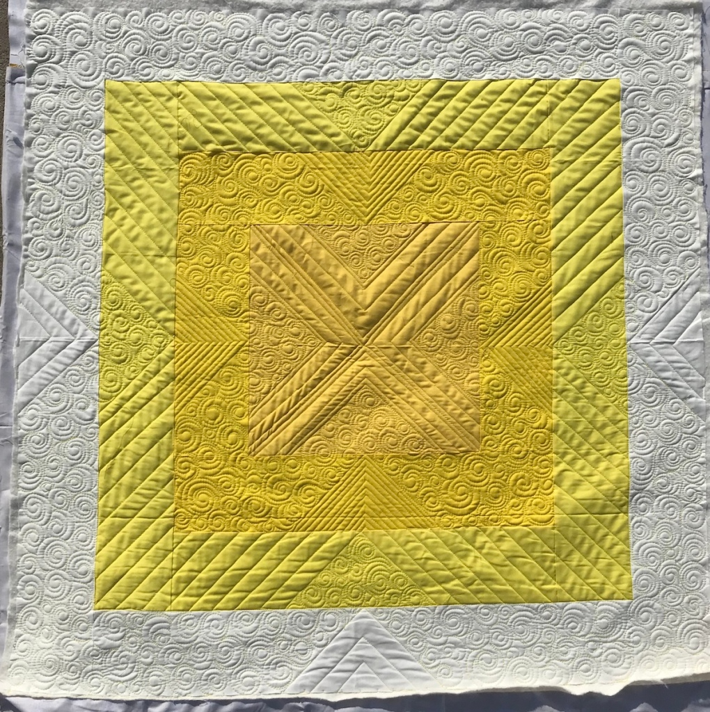 Initial K Studio Square Quilt; Custom longarm quilting by Molly Kohler; Modern quilt; baby quilt; yellow quilt ombre quilt